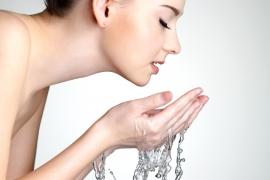 90% phụ nữ chưa biết cách làm sạch da mặt đúng cách trước khi dưỡng da